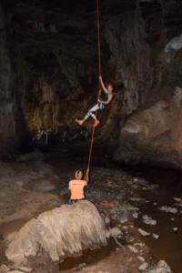 Rapel na caverna Lapa das Dores - Mambaí